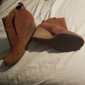 """NWOT Lucky Brand 4"""" Wedge Heel Leather Ankle Boots"""